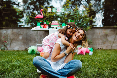 watermelon party festa tema angurie abbraccio mamma figlia