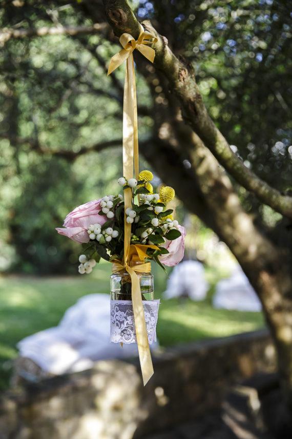 rustic chic vasetti pendenti fiori nastri pizzo