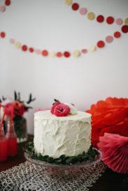 Dessert table ciliegie torta spatolata