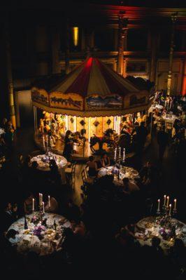 circus-wedding-giostra-cavalli-luci