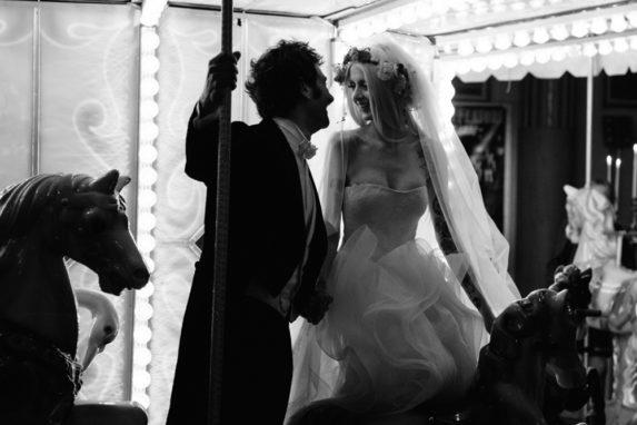 circus-wedding-sposi-su-giostra