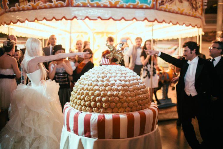 circus-wedding-cake