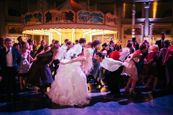 circus-wedding-ballo-di-gruppo