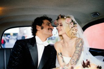 circus-wedding-sposi-nel-cab
