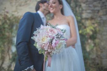matrimonio romantico in umbria sposo e sposa