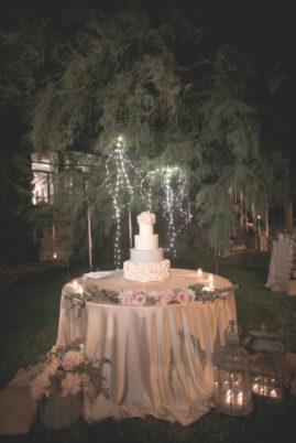 matrimonio romantico in umbria momento torta