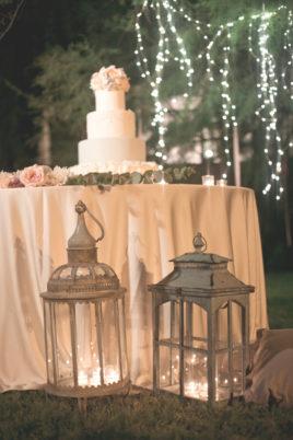matrimonio romantico in umbria allestimento tavolo torta
