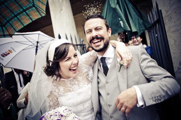 matrimonio vintage uscita degli sposi riso