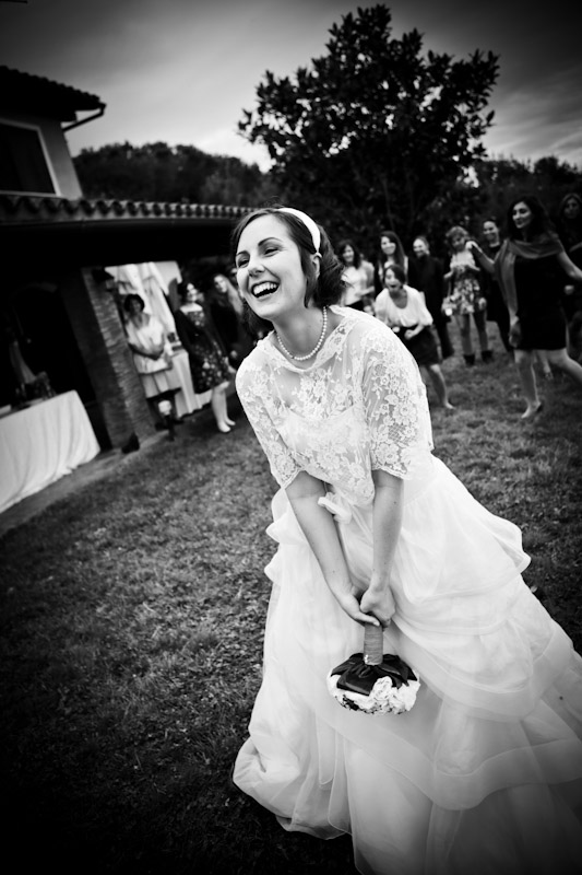 matrimonio vintage lancio del bouquet