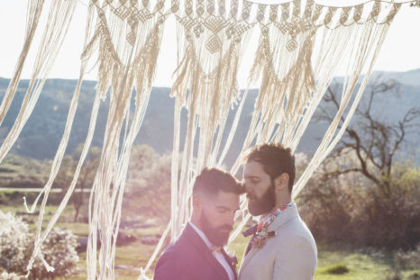 elopement-in-sextantio-coppia-gay-macrame