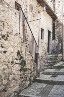 elopement-in-sextantio-santo-stefano-di-sessanio