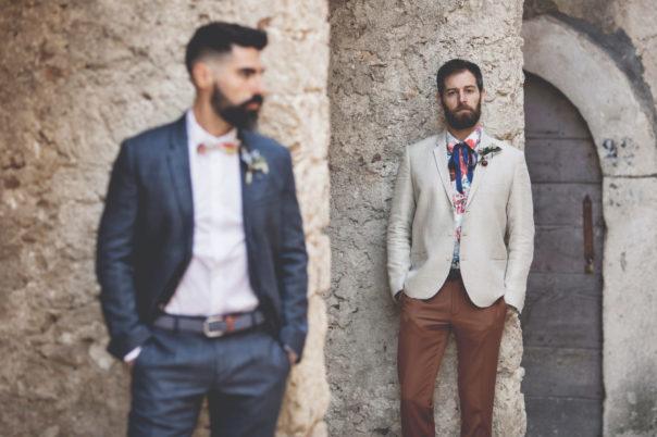 elopement-in-sextantio-coppia-gay-boho-chic