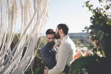 elopement-in-sextantio-rito-coppia-gay-boho-chic